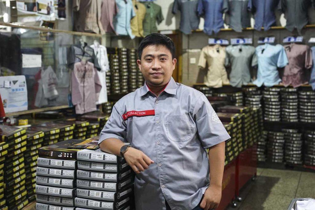 Bangkitkan Usaha Ditengah Pandemi, SIG Dukung UMKM di Gresik - Muhammad Jefri, pemilik Ramli Collection