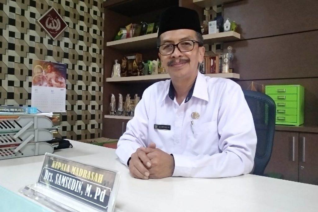 Kepala MTsN 1 Malang, Drs Samsudin MPd. (rhd) - PPDB Online MTsN 1 Kota Malang Jalur Reguler Dibuka 1 Maret 2021