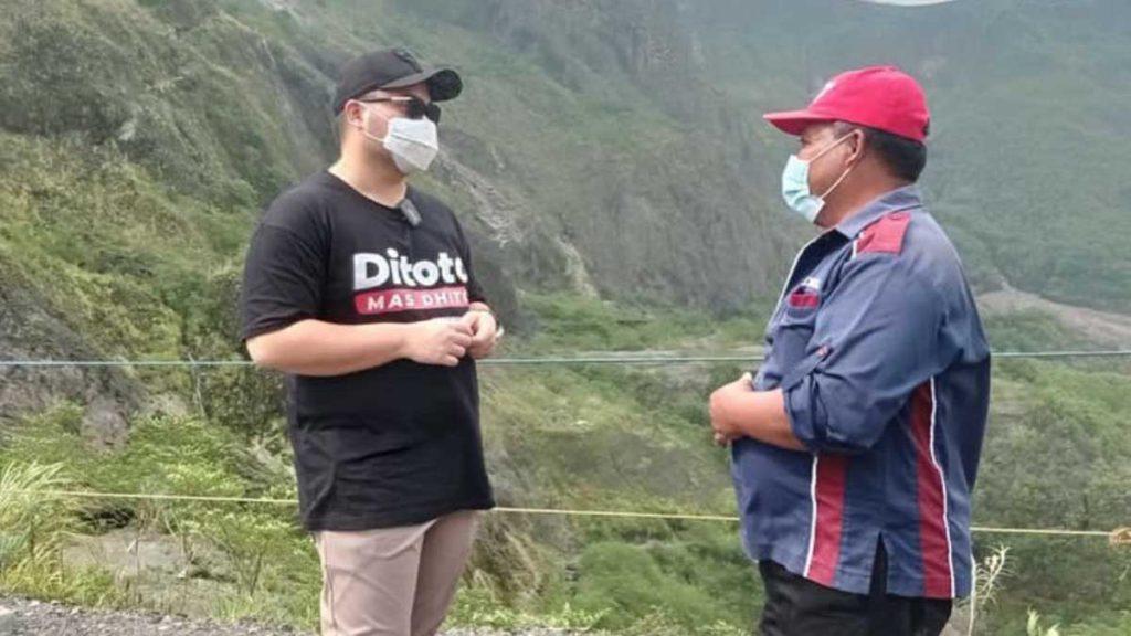 Mas Bub berkeliling melihat potensi dan bertanya apa yang menjadi uneg-uneg pengelola wisata Gunung Kelud - Gunung Kelud Segera Dibuka Kembali