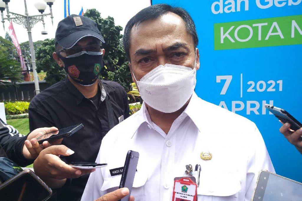 Pj Sekda Hadi Santoso, akan memanggil pihak terkait izin reklame. (rhd) - Tuai Kontroversi, Pemkot Panggil Pihak Terkait Reklame Monumen Pesawat Soehat