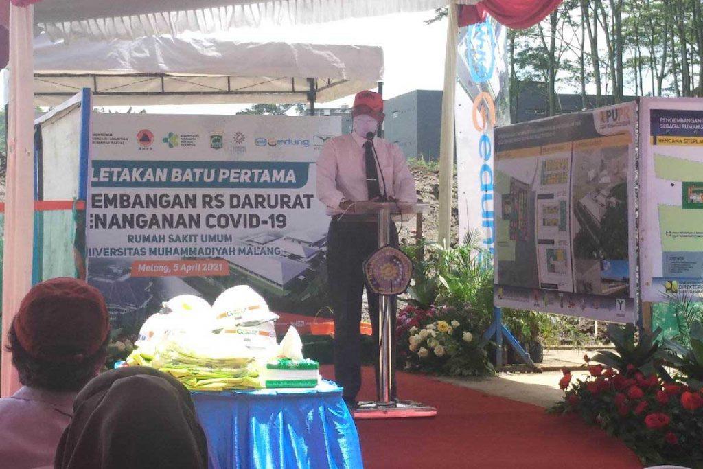 Rektor UMM Dr. Fauzan, MPd, saat memberikan sambutan. (rhd) - UMM Dirikan RS Darurat Penanganan Covid-19, Cikal RS Penyakit Infeksius