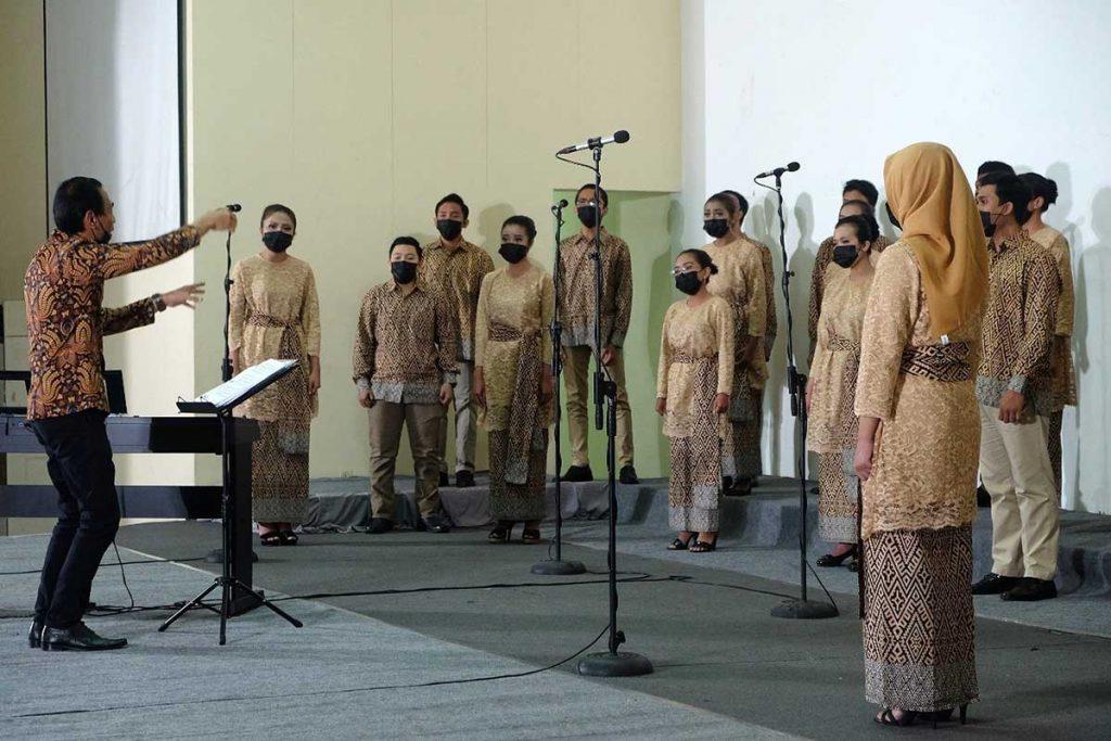 Salah satu pengambilan sesi kategori. (ist) - VOX Coeleistis Choir ITN Malang Raih Tiga Penghargaan Internasional di TICC 2021