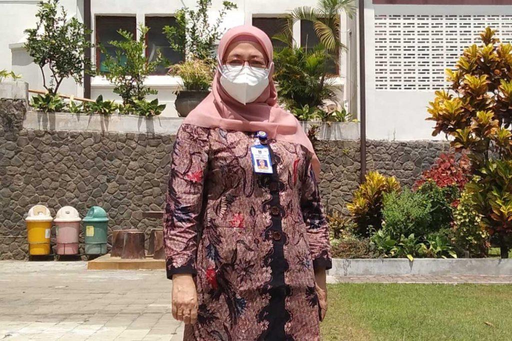 Kepala Cabang Dinas Pendidikan Wilayah Kota Malang dan Kota Batu, Dr Ema Sumiarti. (jaz) - Begini Syarat Wajib Pembelajaran Tatap Muka Terbatas
