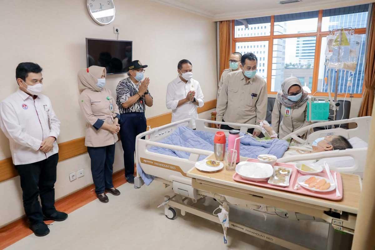 Presiden Jokowi Berikan Bantuan Rp100 Juta Untuk Legenda Bulutangkis Verawaty Fajrin