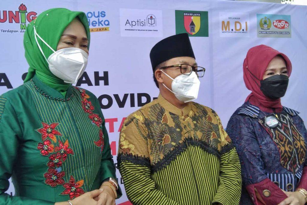 Walikota Malang, Drs H Sutiaji menjelaskan wacana vaksin boster. (jaz) - Antisipasi Gelombang Lonjakan Covid-19, Wacana Booster Tiga Berlanjut